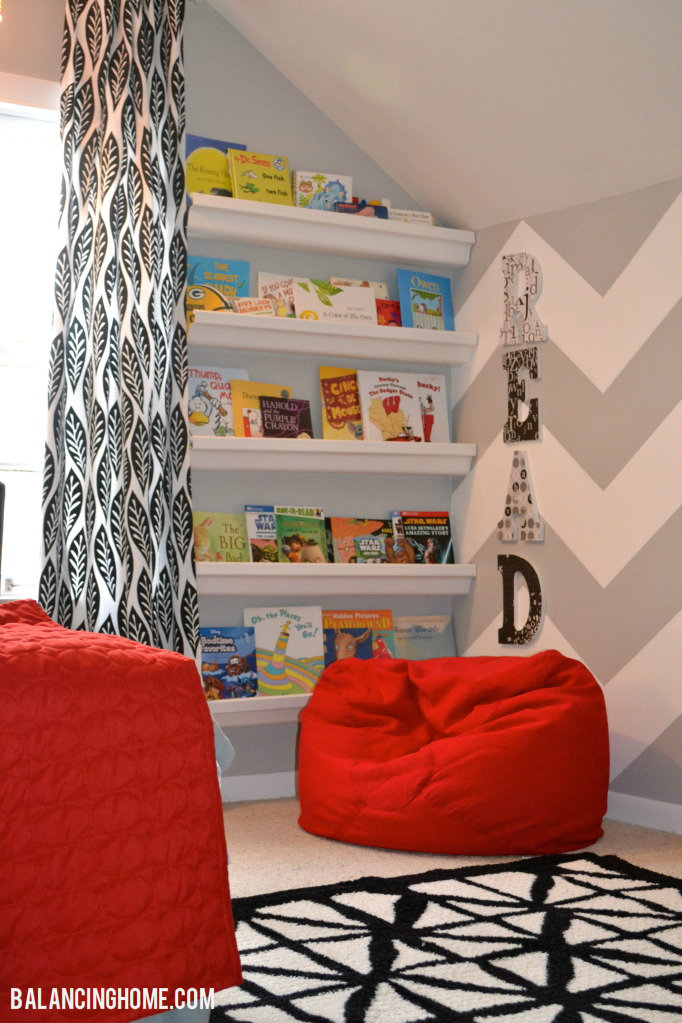 Small Bedroom Decor & Bedroom Decorating Ideas- Boys room with reading corner