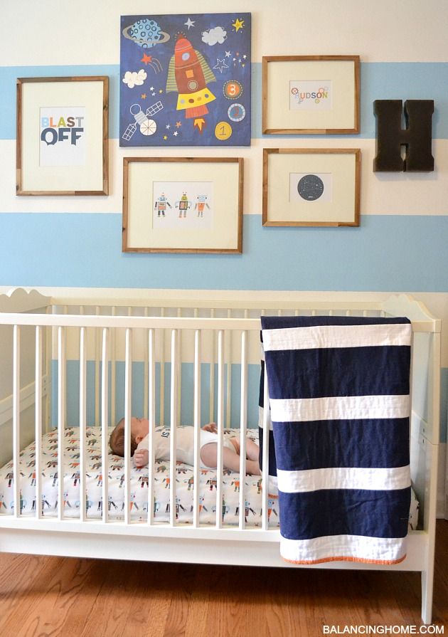 Small Bedroom Decor & Bedroom Decorating Ideas- robot themed boy nursery with free printables