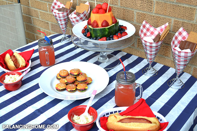 Summer Tablescape + a Link Party