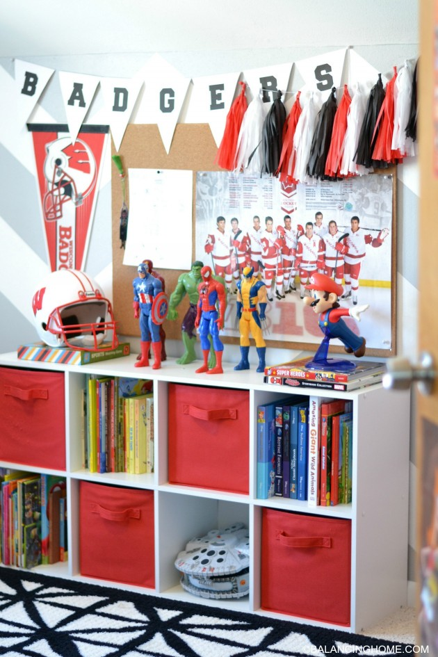 BOY-ROOM-BOOKSHELF