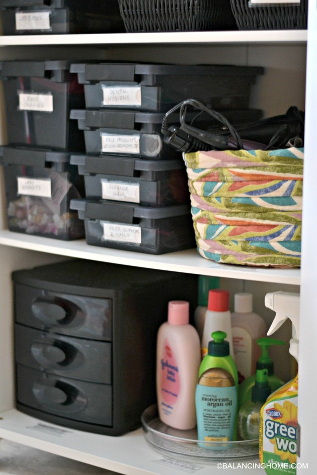 cleaning-organizing-bathroom-with-pedestal-sink-organized-bathroom-cabinet
