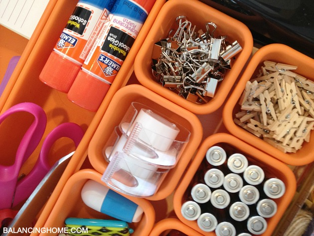 JUNK-DRAWER-ORGANIZER