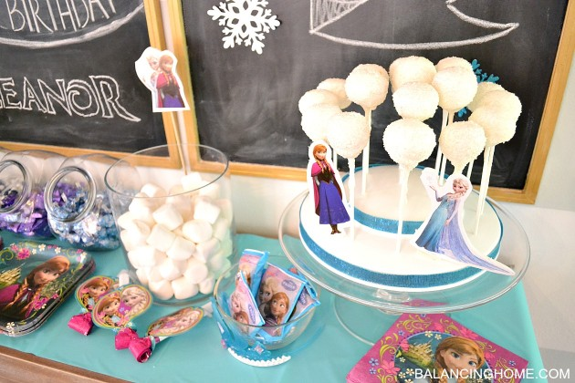 frozen-dessert-table
