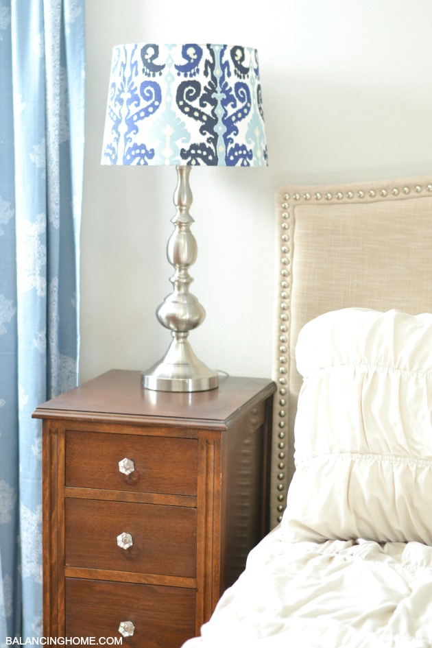 GOODWILL-NIGHTSTAND