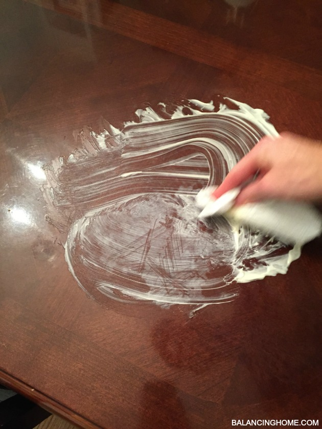 REMOVING-MOISTURE-STAIN-FROM-WOOD