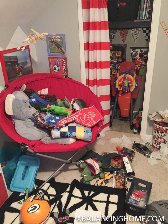 DECLUTTERING-KIDS-ROOM-3