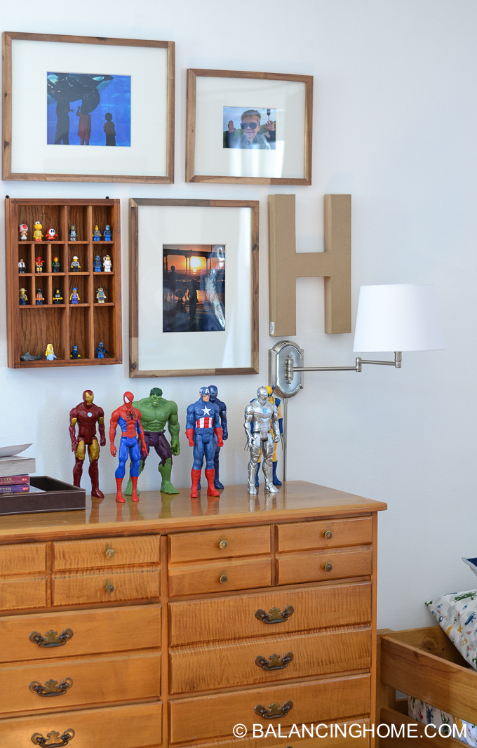 boys-room-gallery-wall-14