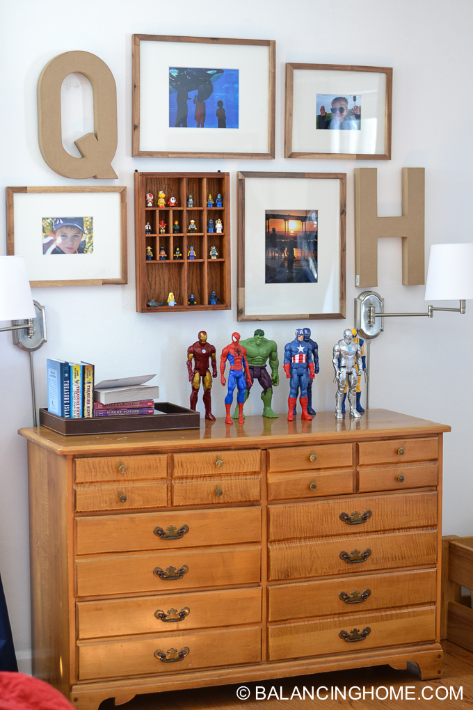 boys-room-gallery-wall-17