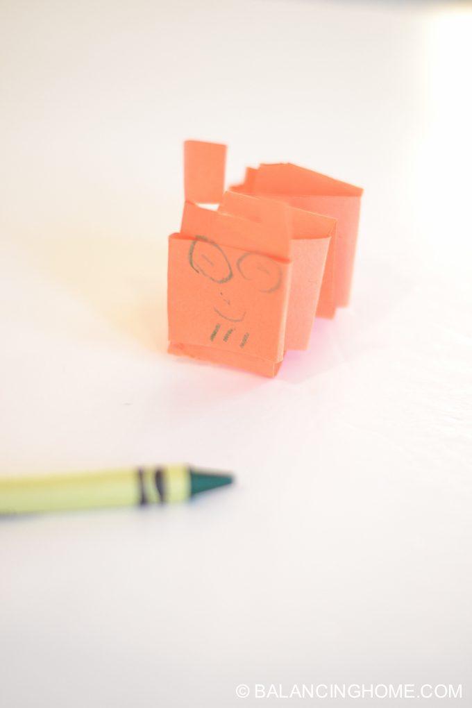 kid-craft-folded-paper-caterpillar-16