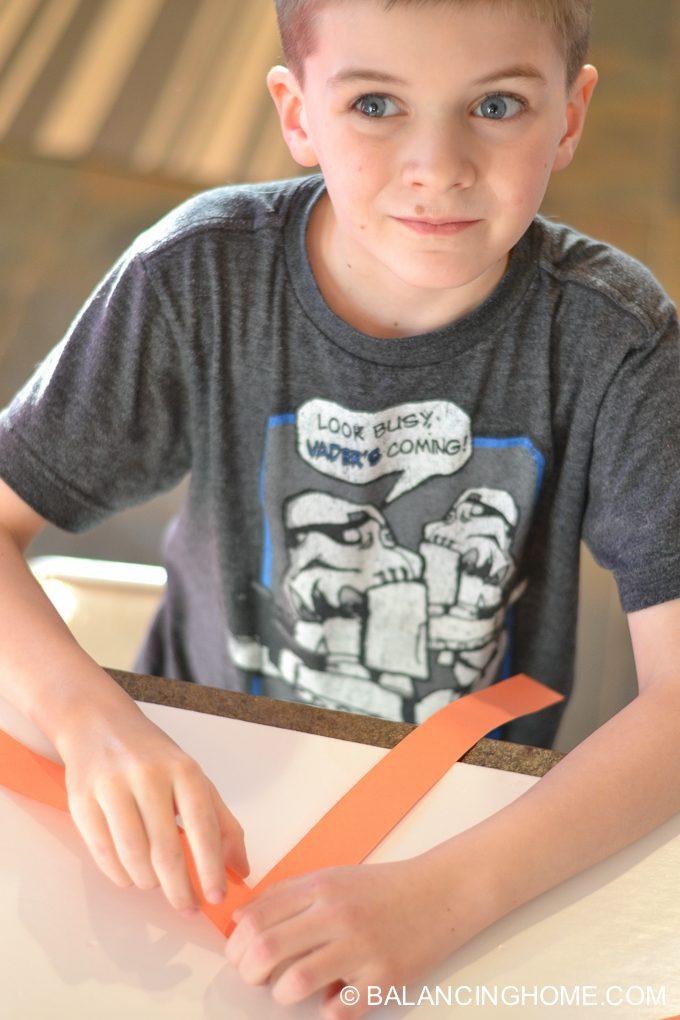 kid-craft-folded-paper-caterpillar-6