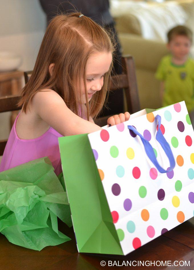 girl-pink-flower-pancake-breakfast-birthday-party-13