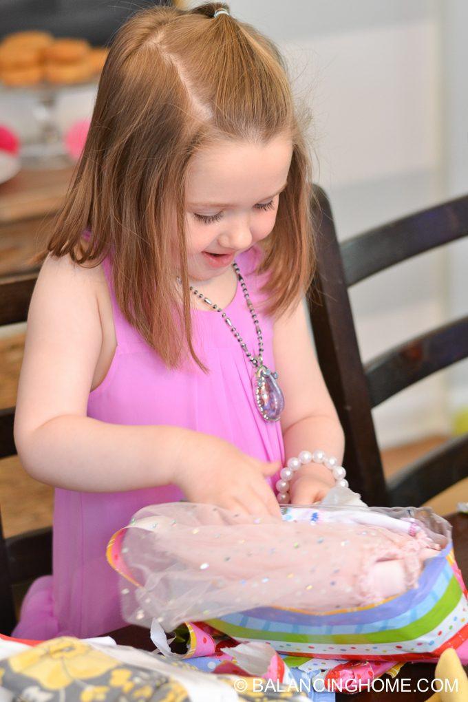 girl-pink-flower-pancake-breakfast-birthday-party-14