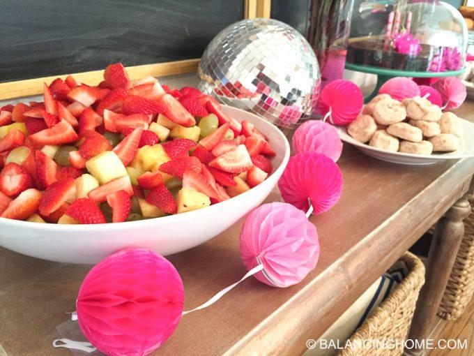 girl-pink-flower-pancake-breakfast-birthday-party-17