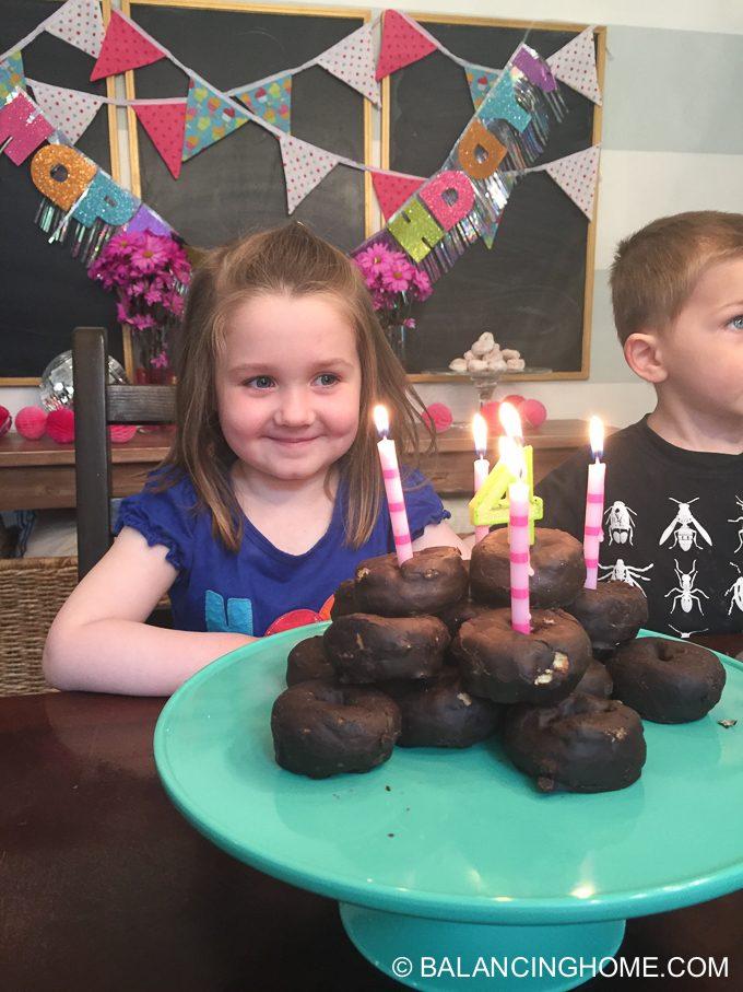 girl-pink-flower-pancake-breakfast-birthday-party-25