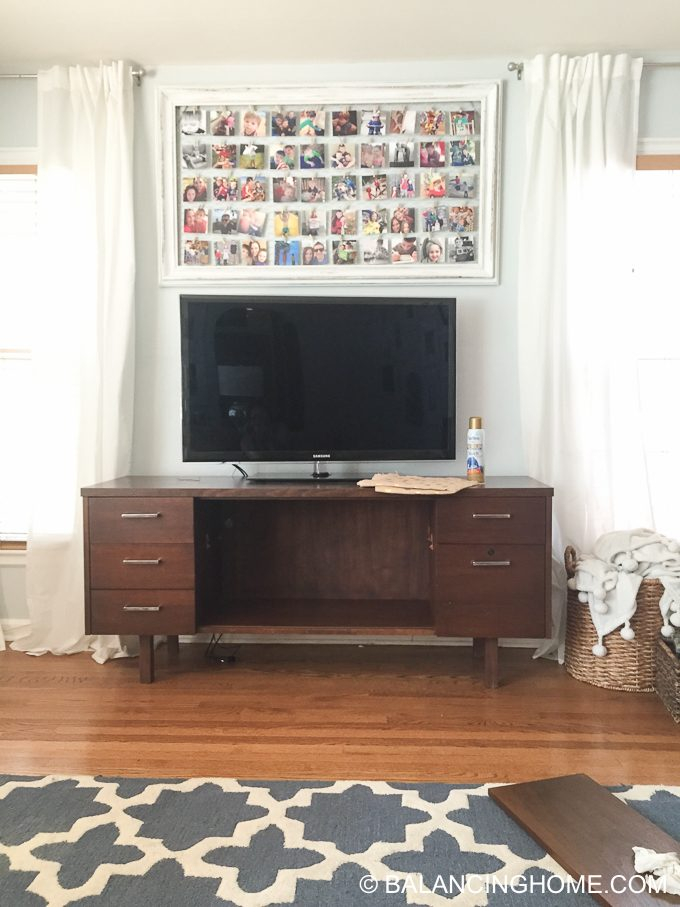 hanging-burlap-with-starch-tv-credenza-18