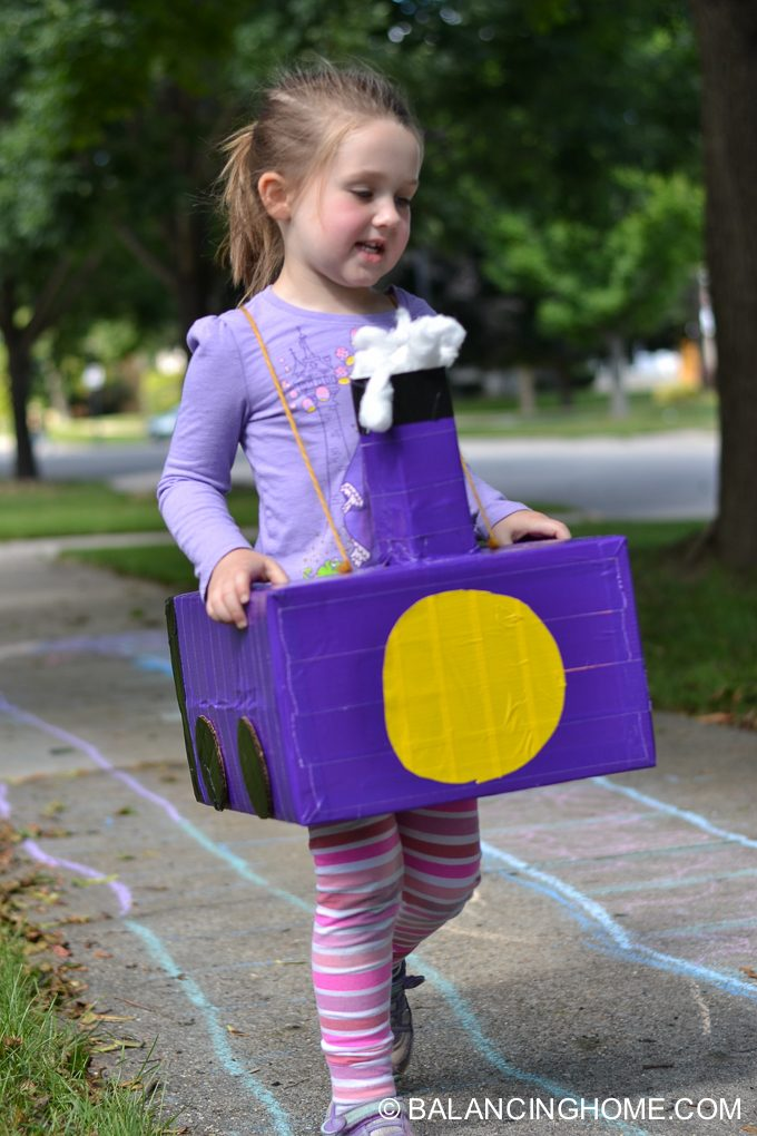 DIY-Train-costume-diaper-box-2