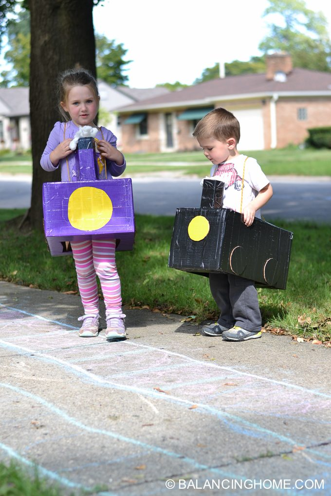 DIY-Train-costume-diaper-box-3