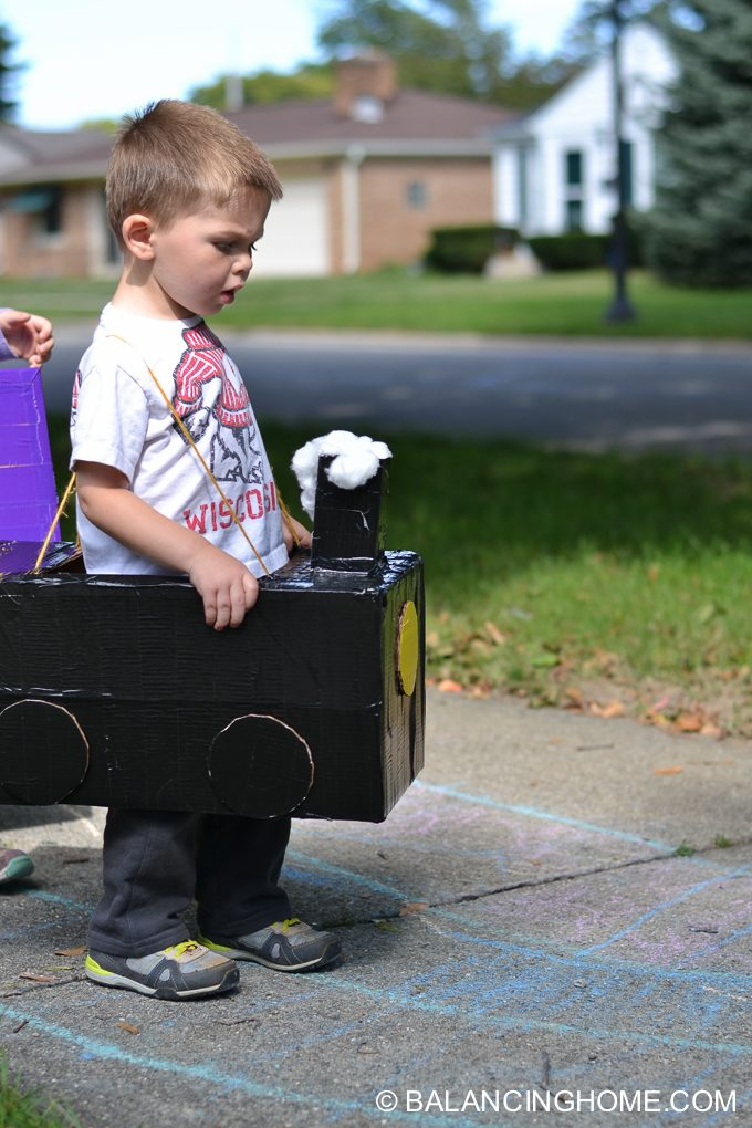 DIY-Train-costume-diaper-box-6