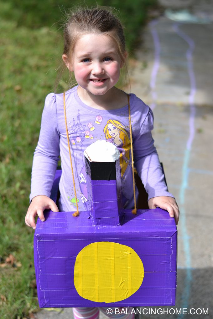 DIY-Train-costume-diaper-box-7
