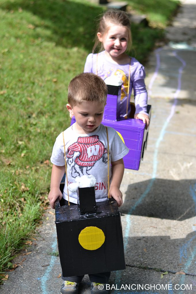 DIY-Train-costume-diaper-box-8