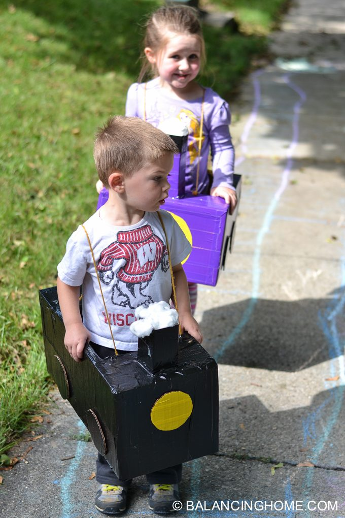 DIY-Train-costume-diaper-box-9