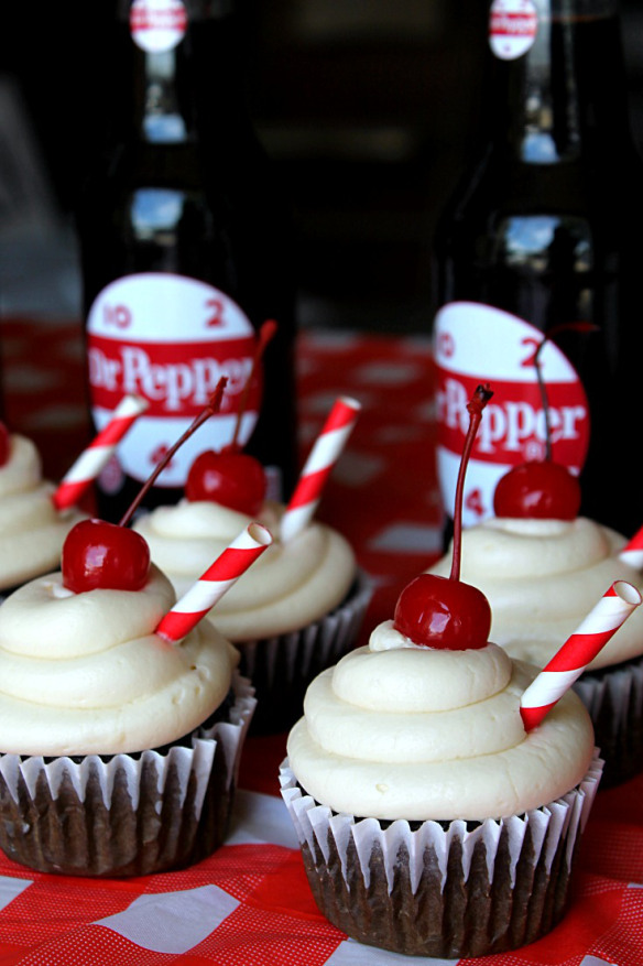 Dr-Pepper-Cupcakes-BackyardBash-CollectiveBias