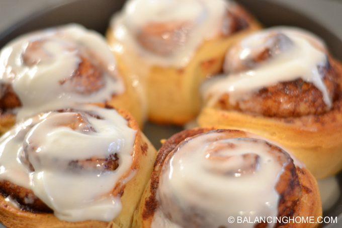 cinnamon-rolls-17