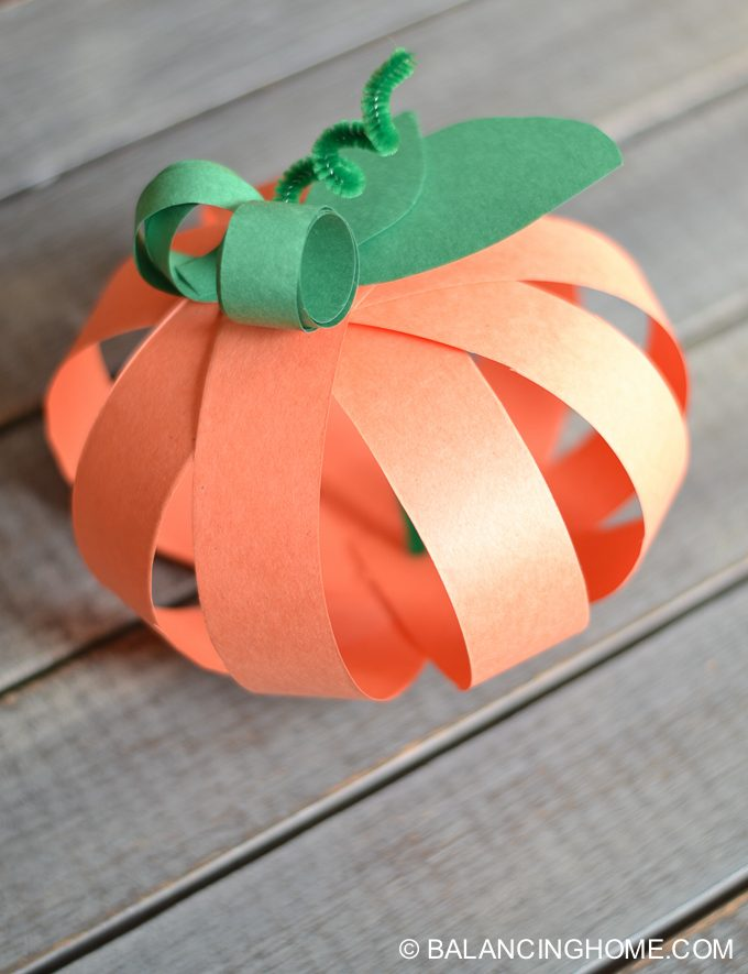 paper-strip-pumpkin-craft-13