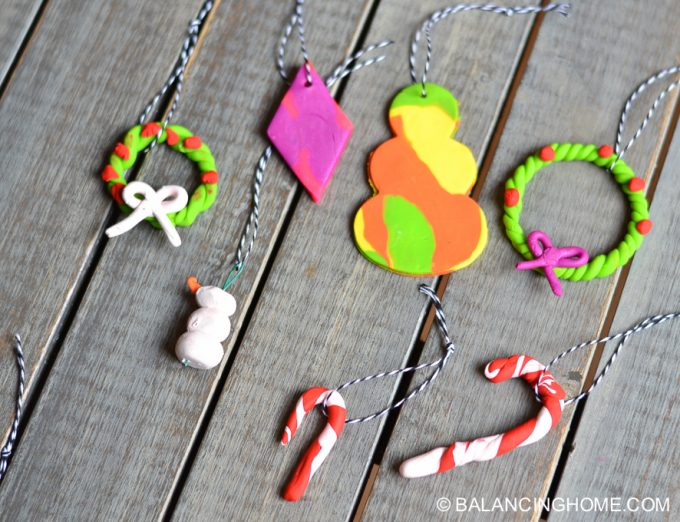 kid-craft-diy-clay-marble-Christmas-ornaments-19