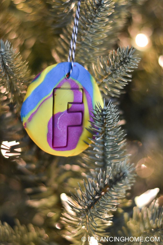 Colorado Christmas Ornaments Part - 50: Kid-craft-diy-clay-marble-Christmas-ornaments-23