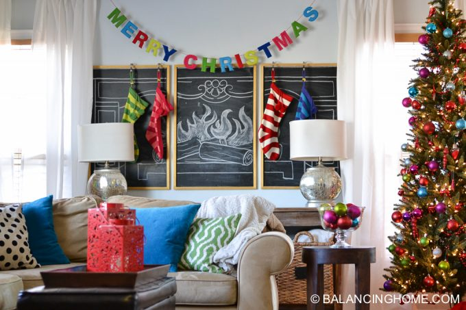 christmas-chalkboard-fireplace-13