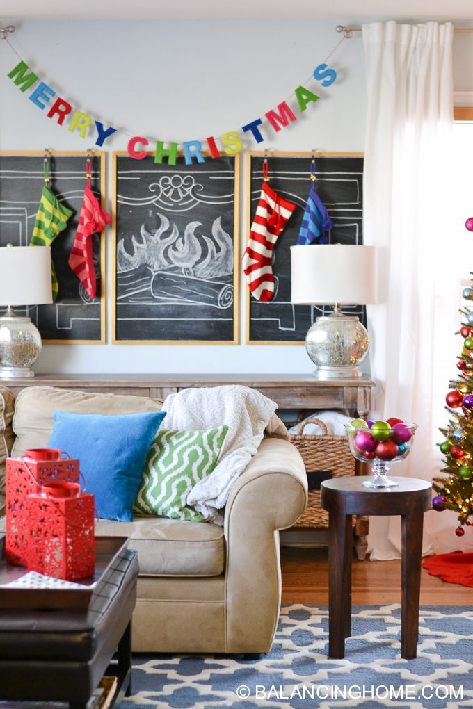 christmas-chalkboard-fireplace-3