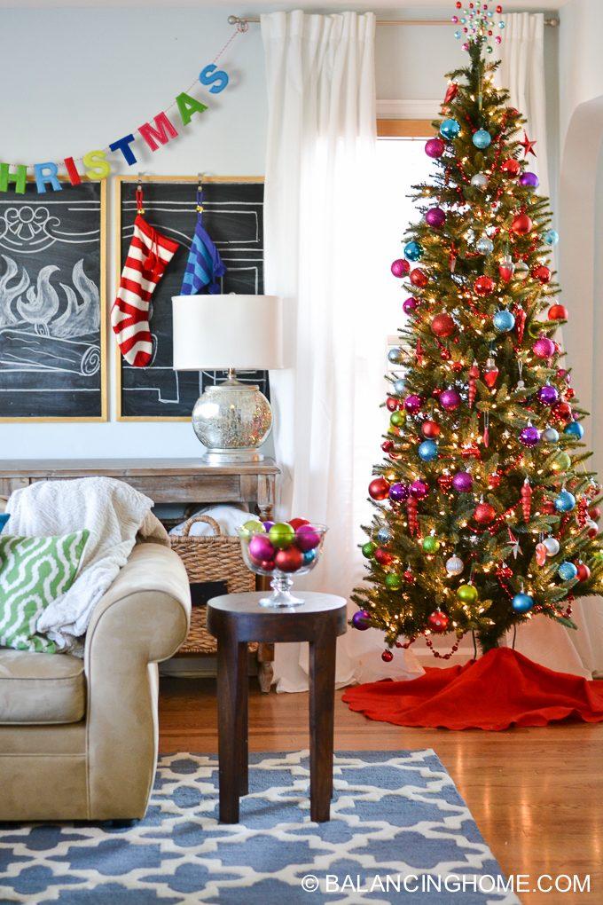 christmas-chalkboard-fireplace-5