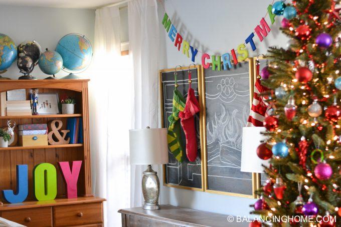 christmas-chalkboard-fireplace-8