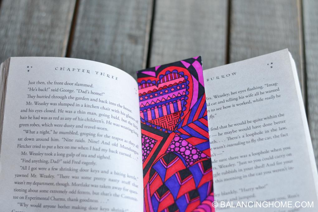 Valentine-coloring-printable-bookmark-6