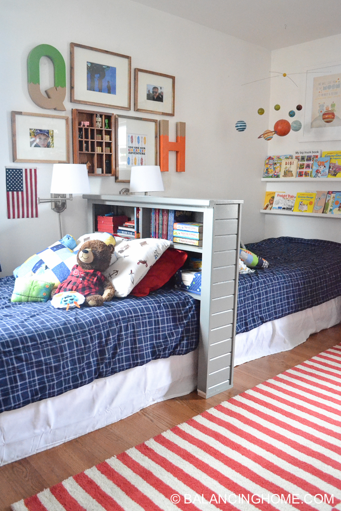 Small Bedroom Decor & Bedroom Decorating Ideas: shared boys bedroom
