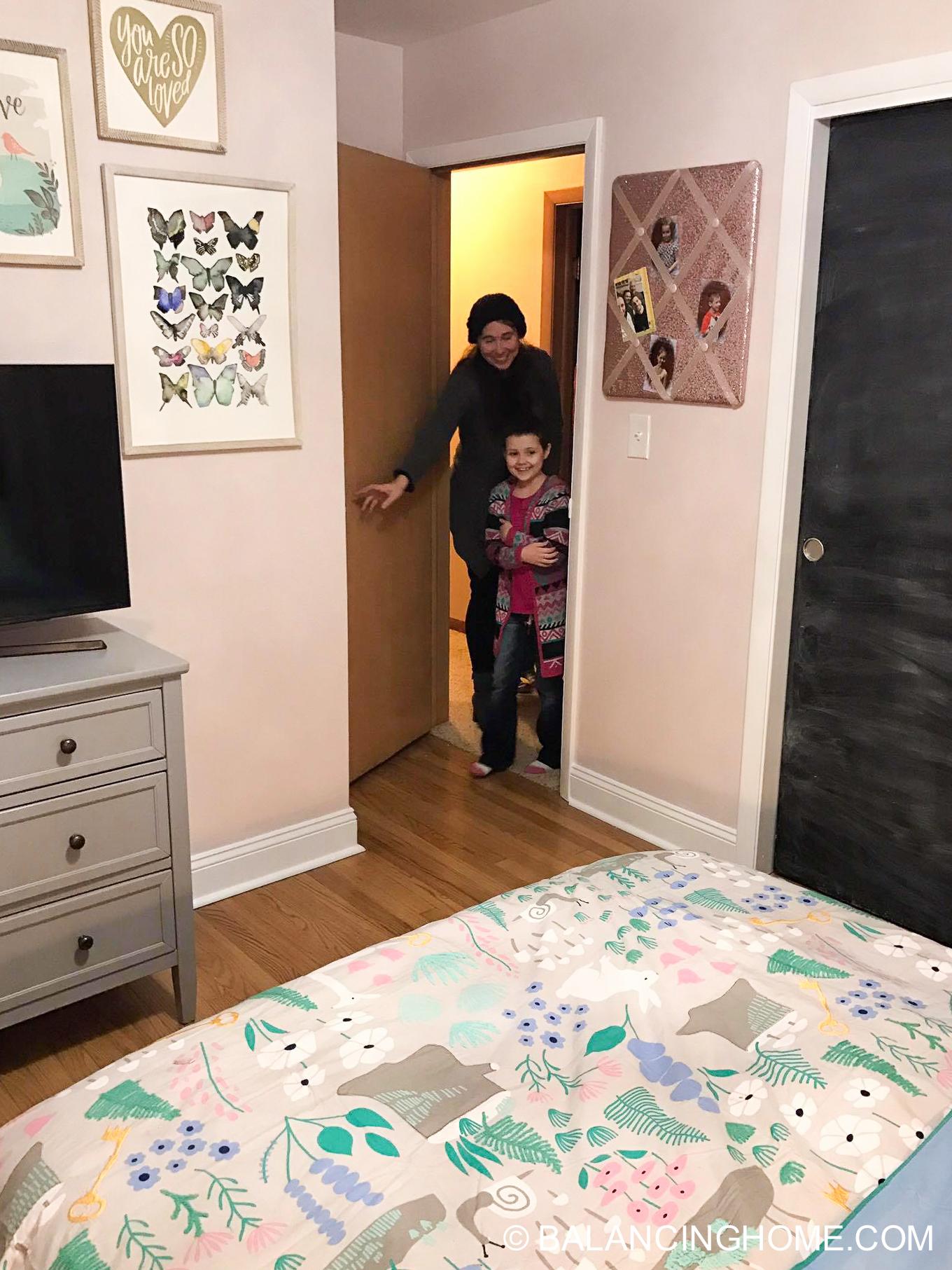 Girl Bedroom Makeover - Woodland Forest Decorating Ideas ...