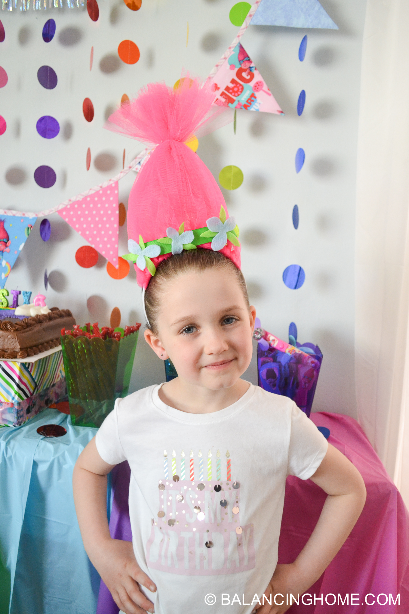 Trolls birthday party: DIY Trolls Poppy Hair Headband Tutorial using tulle