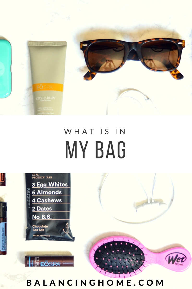 Mom Bag Must Haves- The mom bag essentials that every mom needs